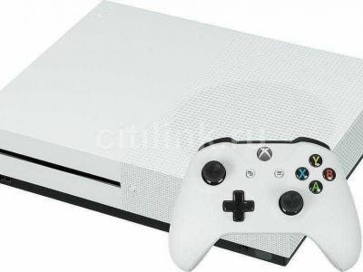 Xbox one s 1 тб,торг есть
